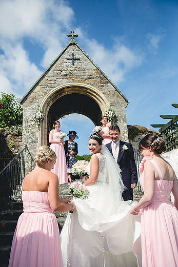 Summer wedding at The Cliff Hotel by Whole Picture Weddings